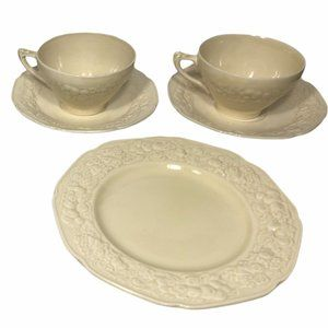 8 CROWN DUCAL Florentine Ivory Embossed Dishes